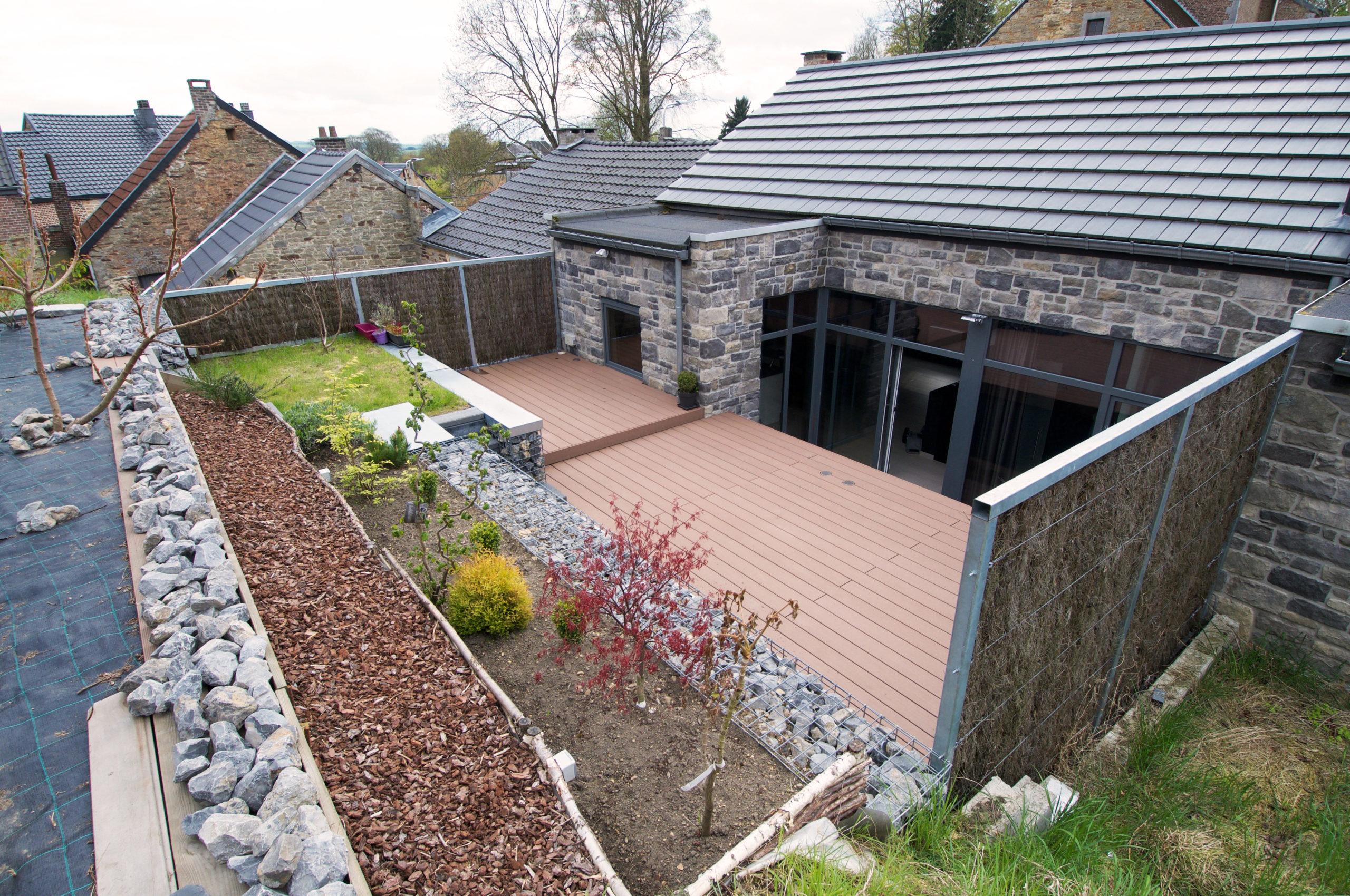 terrasse en composite et gabions